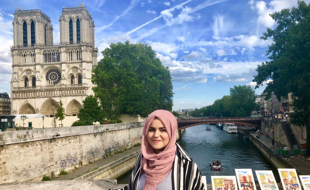 Yasmina Fatih, donant moll d'òs